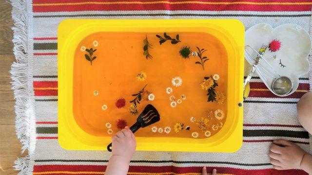 Sensory Play – 4 frühlingshafte Ideen für Kinder