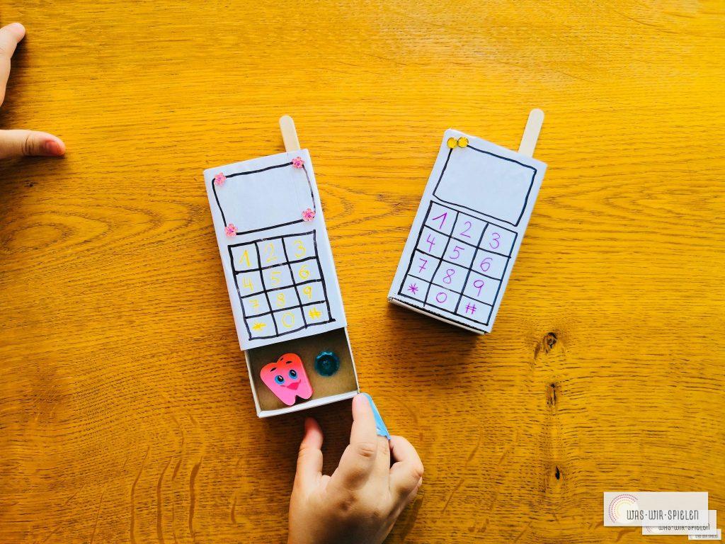 DIY Telefon mit Geheimfach