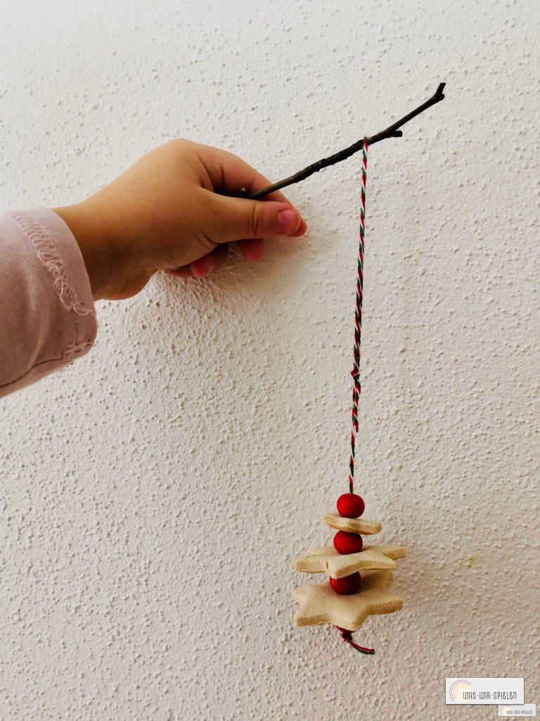 Bastelvorschlag Salzteig Anhänger Weihnachten Bastelidee Kleinkin
