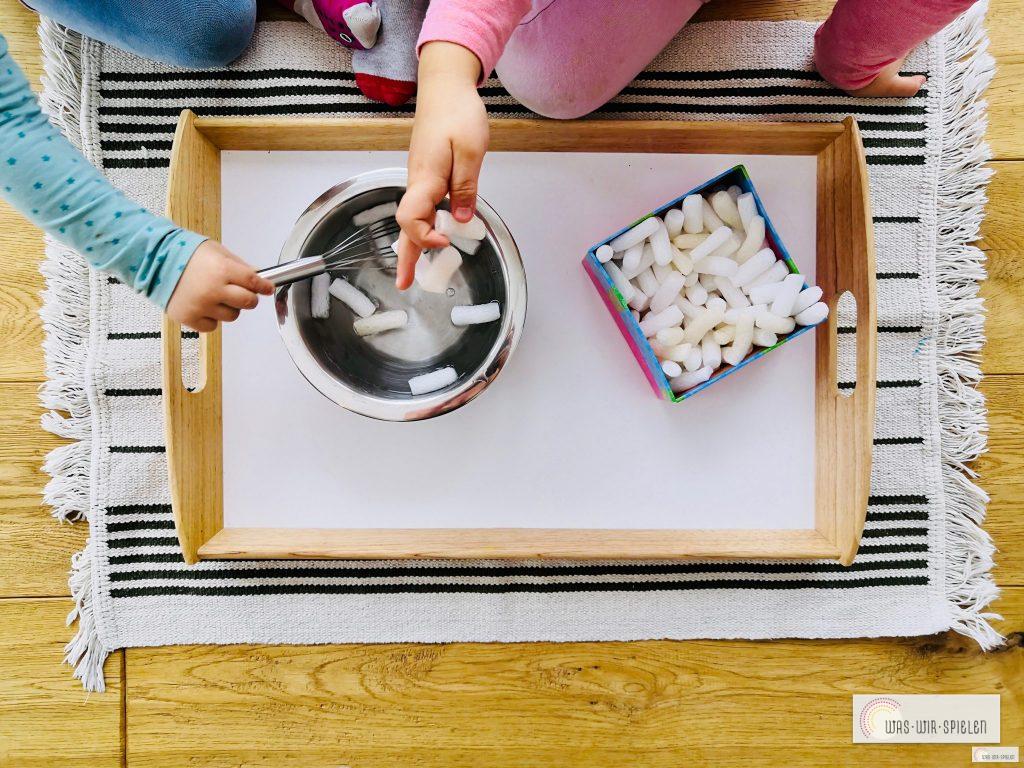 Kinder können diesen nachhaltigen ungiftigen Bastelkleber ganz leicht selber machen