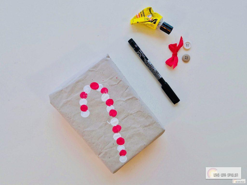 Zuckerstangen Geschenkpapier selbst gestalten