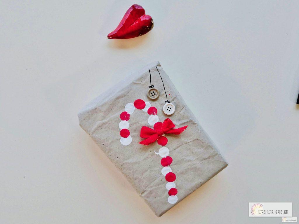 Zuckerstangen Geschenkpapier mit Kindern basteln