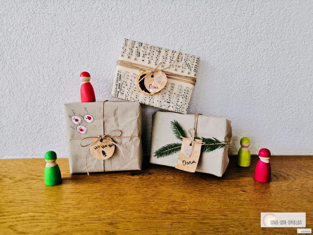Notenpapier eignet sich auch wahnsinnig gut zum Verpacken von Geschenken