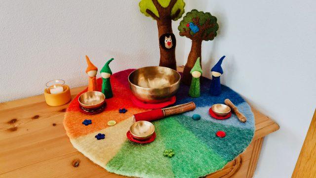 Klangschalen mit Kindern –  Achtsamkeit & Spiel