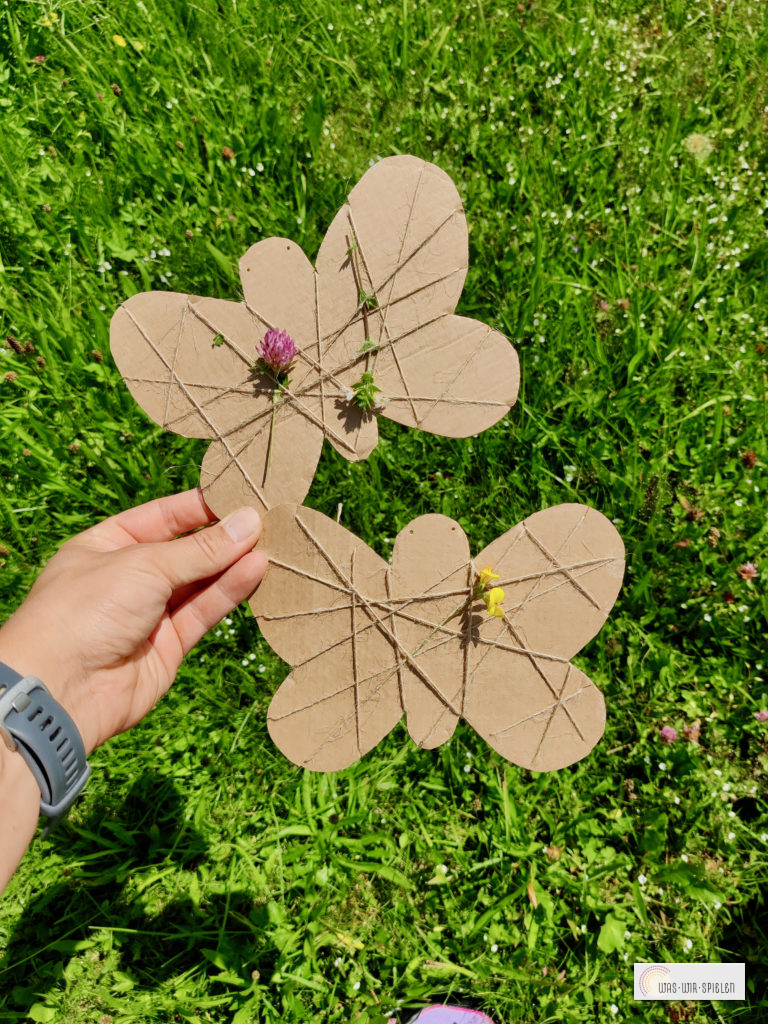 langsam entstehen bunte Schmetterlinge